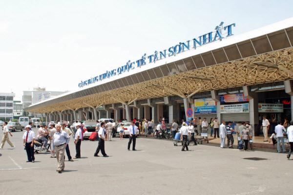 Di chuyển từ sân bay Tân Sơn Nhất về trung tâm Sài Gòn - hinh 2