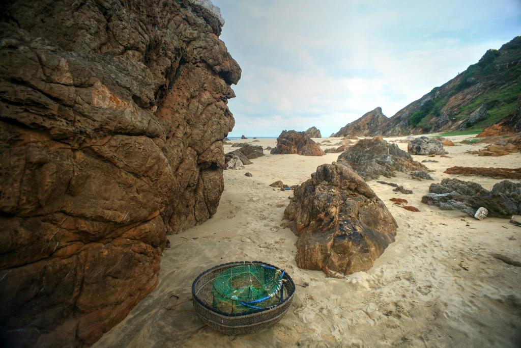 Biển Đá Nhảy Quảng Bình - hinh 2