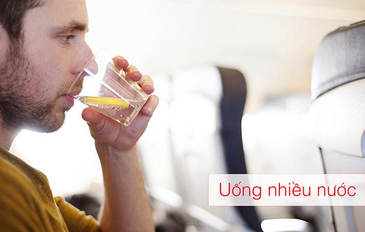 7 Kinh nghiệm chống say khi đi máy bay hiệu quả - hinh 2