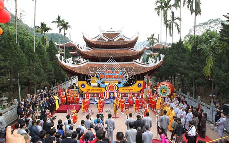 Thuê xe đi lễ hội Chùa Hương - hinh 2