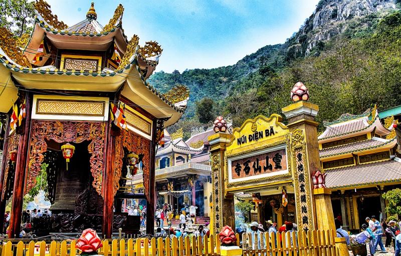 Giá thuê xe đi lễ hội núi Bà Đen – Tây Ninh Tết 2020