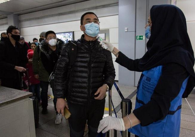 Chỗ ngồi trên máy bay ít có nguy cơ lây nhiễm virus corona nhất - hinh 1