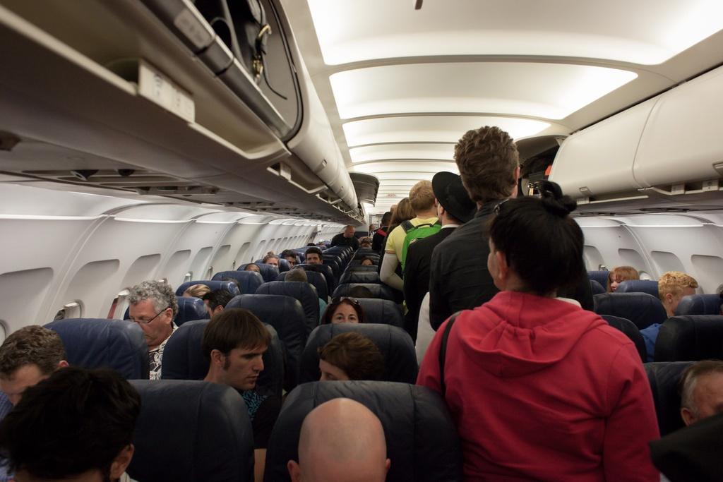 Chỗ ngồi trên máy bay ít có nguy cơ lây nhiễm virus corona nhất - hinh 5