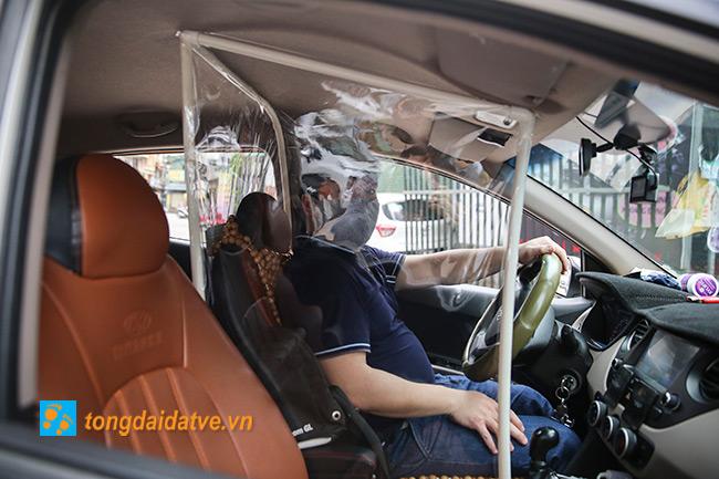 Taxi công nghệ lắp màng chắn đối phó với dịch bệnh Covid-19 - hinh 7