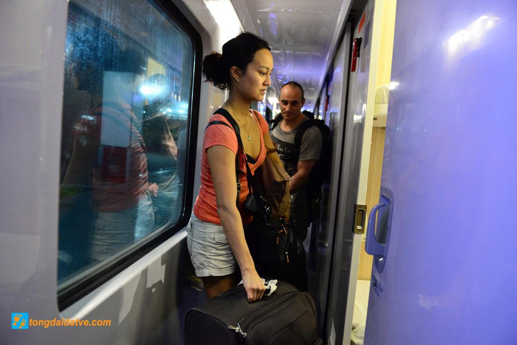VÉ Tàu 5 Sao Từ Sài Gòn Đi Nha Trang - hinh 2